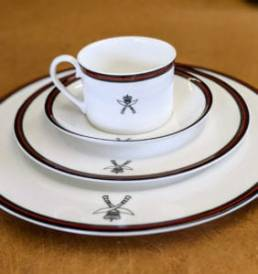 Gurkha place setting